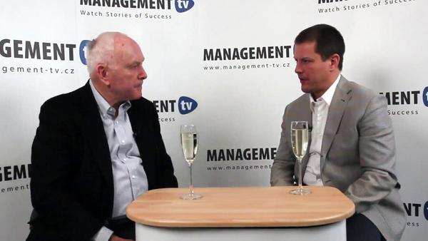 Robert Hogan v Management TV: Pravý leadership není o politikaření ani vlastním charismatu