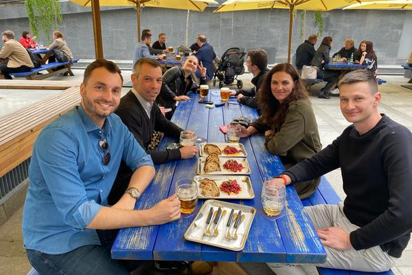 Proč nechtějí zaměstnanci v gastronomii zpět do práce s Terezou Kučerovou, Ambiente a Karlem Maříkem, Grason